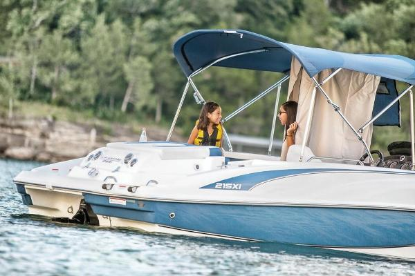 2018 Tahoe boat for sale, model of the boat is 215 Xi & Image # 30 of 38