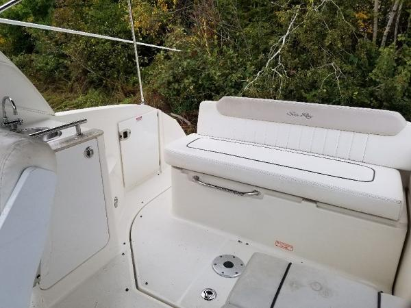 2010 Sea Ray boat for sale, model of the boat is 260 Sundancer & Image # 5 of 24