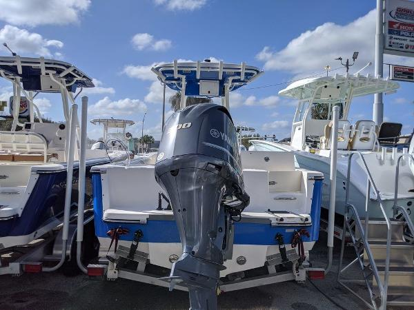 2019 Sea Born boat for sale, model of the boat is LX24-CC & Image # 16 of 32