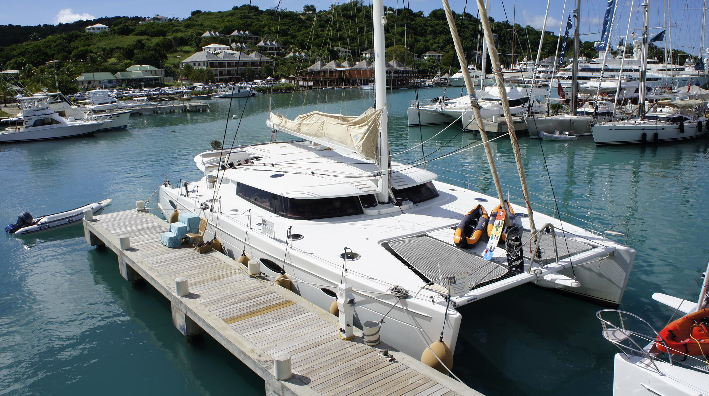 65' Fountaine Pajot 2010