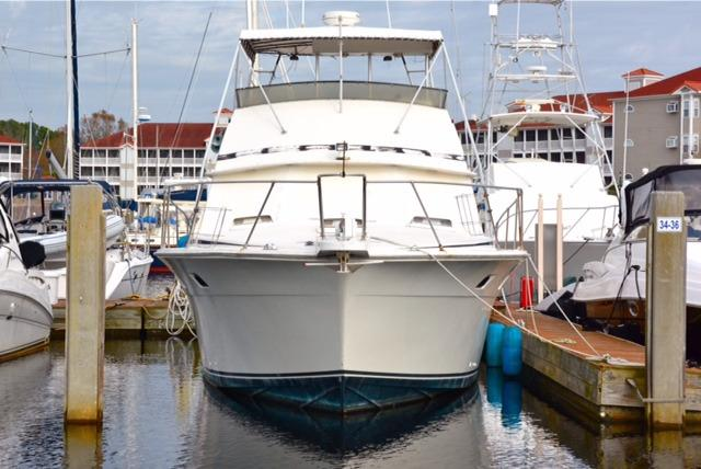 Bertram 46 Convertible - Bow 3