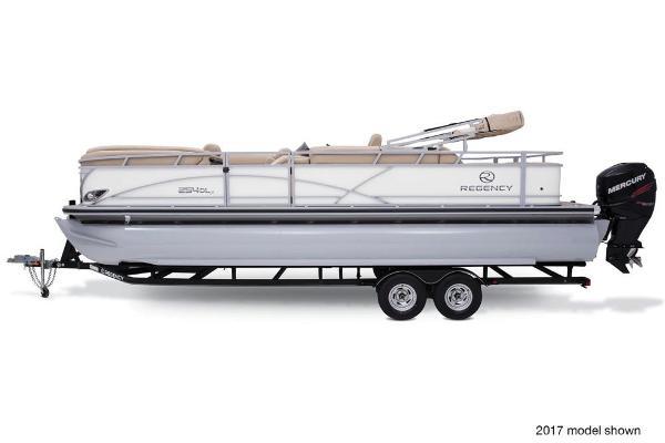 2018 Regency boat for sale, model of the boat is 254 DL3 & Image # 4 of 8