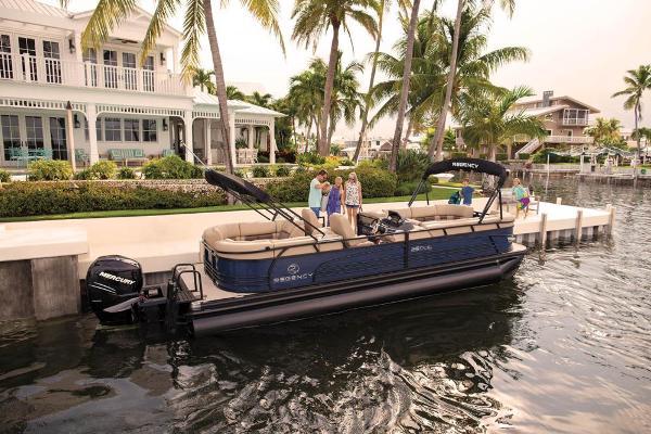 2021 Regency boat for sale, model of the boat is 250 LE3 & Image # 2 of 76