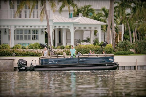 2021 Regency boat for sale, model of the boat is 250 LE3 & Image # 5 of 76