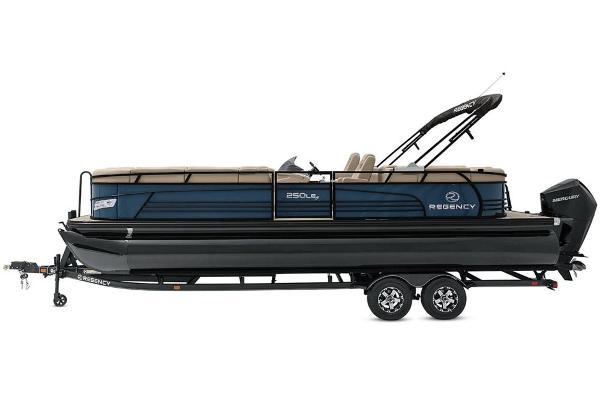 2021 Regency boat for sale, model of the boat is 250 LE3 & Image # 13 of 76