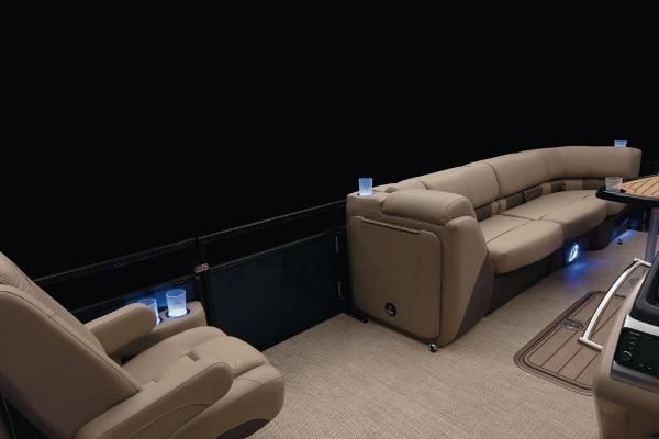 2021 Regency boat for sale, model of the boat is 250 LE3 & Image # 31 of 76