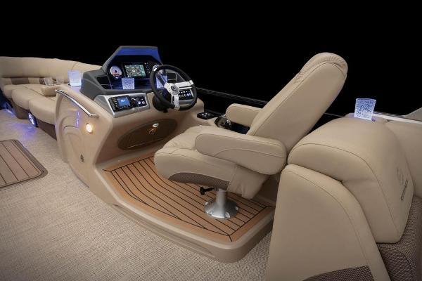 2021 Regency boat for sale, model of the boat is 250 LE3 & Image # 35 of 76