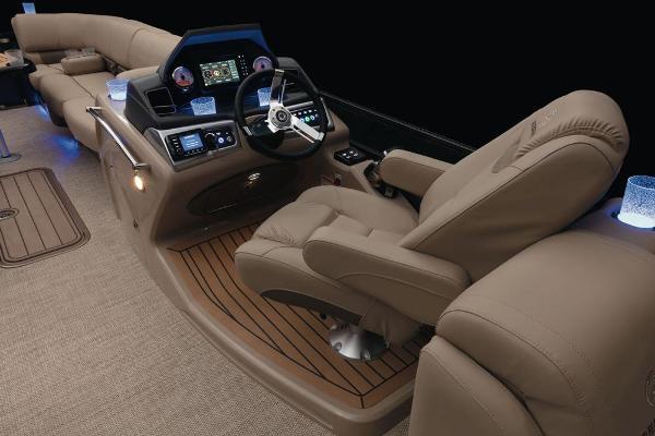 2021 Regency boat for sale, model of the boat is 250 LE3 & Image # 36 of 76
