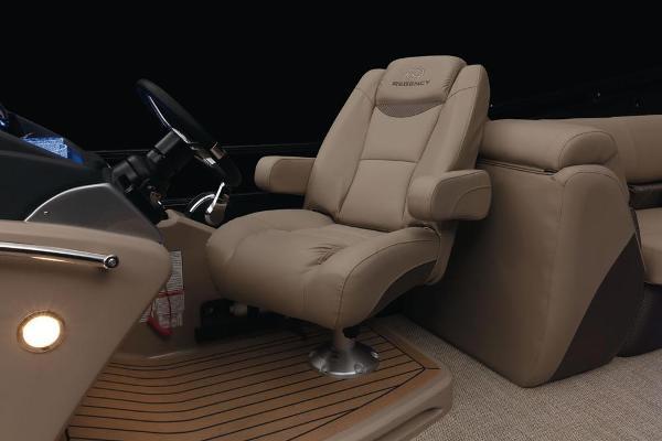 2021 Regency boat for sale, model of the boat is 250 LE3 & Image # 43 of 76