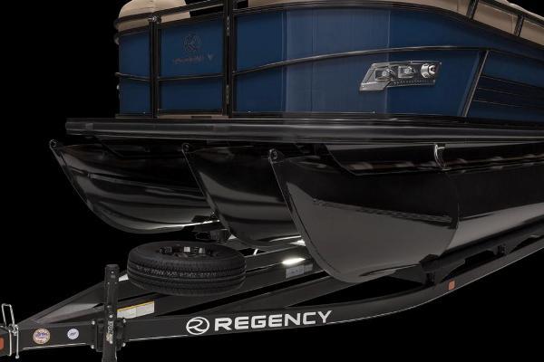 2021 Regency boat for sale, model of the boat is 250 LE3 & Image # 44 of 76