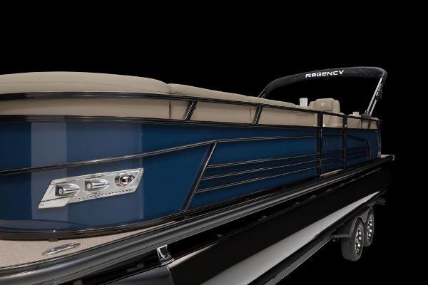 2021 Regency boat for sale, model of the boat is 250 LE3 & Image # 48 of 76