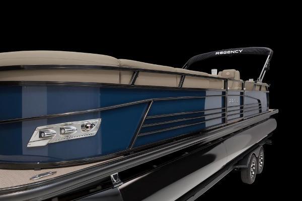 2021 Regency boat for sale, model of the boat is 250 LE3 & Image # 49 of 76