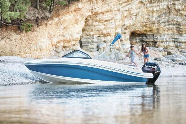 2018 Tahoe boat for sale, model of the boat is 450 TS & Image # 4 of 43