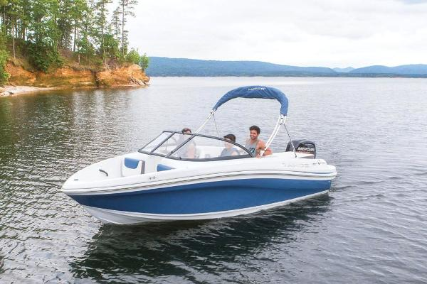 2018 Tahoe boat for sale, model of the boat is 450 TS & Image # 7 of 43