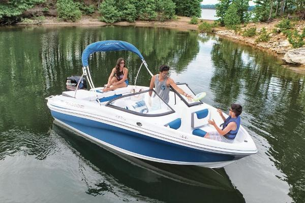 2018 Tahoe boat for sale, model of the boat is 450 TS & Image # 12 of 43