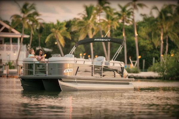 2021 Regency boat for sale, model of the boat is 230 LE3 & Image # 6 of 69