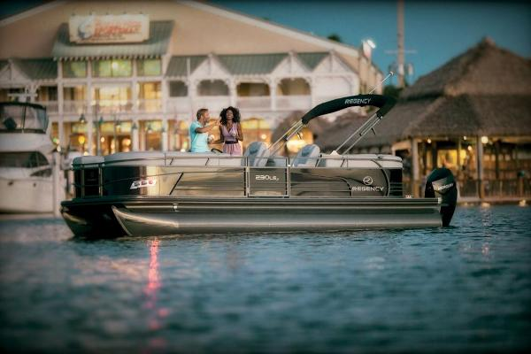 2021 Regency boat for sale, model of the boat is 230 LE3 & Image # 7 of 69