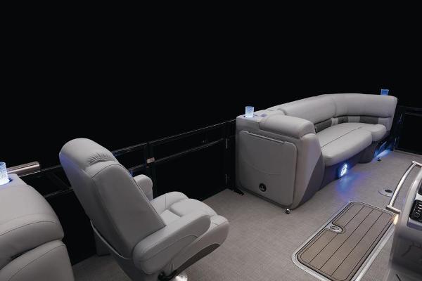 2021 Regency boat for sale, model of the boat is 230 LE3 & Image # 26 of 69