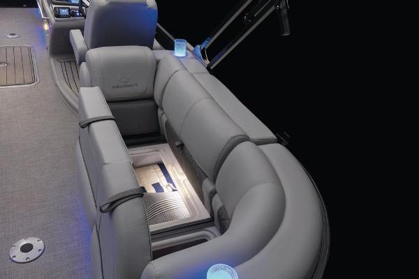 2021 Regency boat for sale, model of the boat is 230 LE3 & Image # 37 of 69