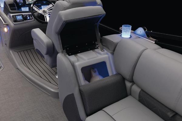 2021 Regency boat for sale, model of the boat is 230 LE3 & Image # 40 of 69