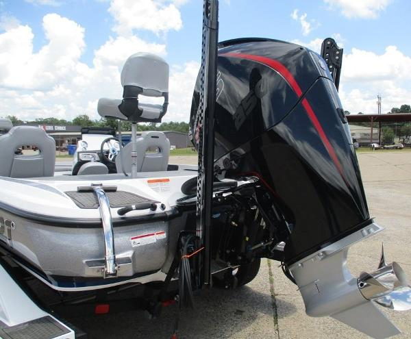2021 Nitro boat for sale, model of the boat is Z21 & Image # 8 of 8