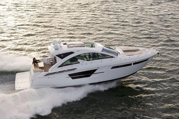 2017 54' Cruisers Yachts cantius