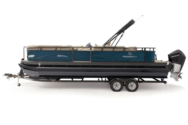 2021 Regency boat for sale, model of the boat is 250 DL3 & Image # 12 of 76
