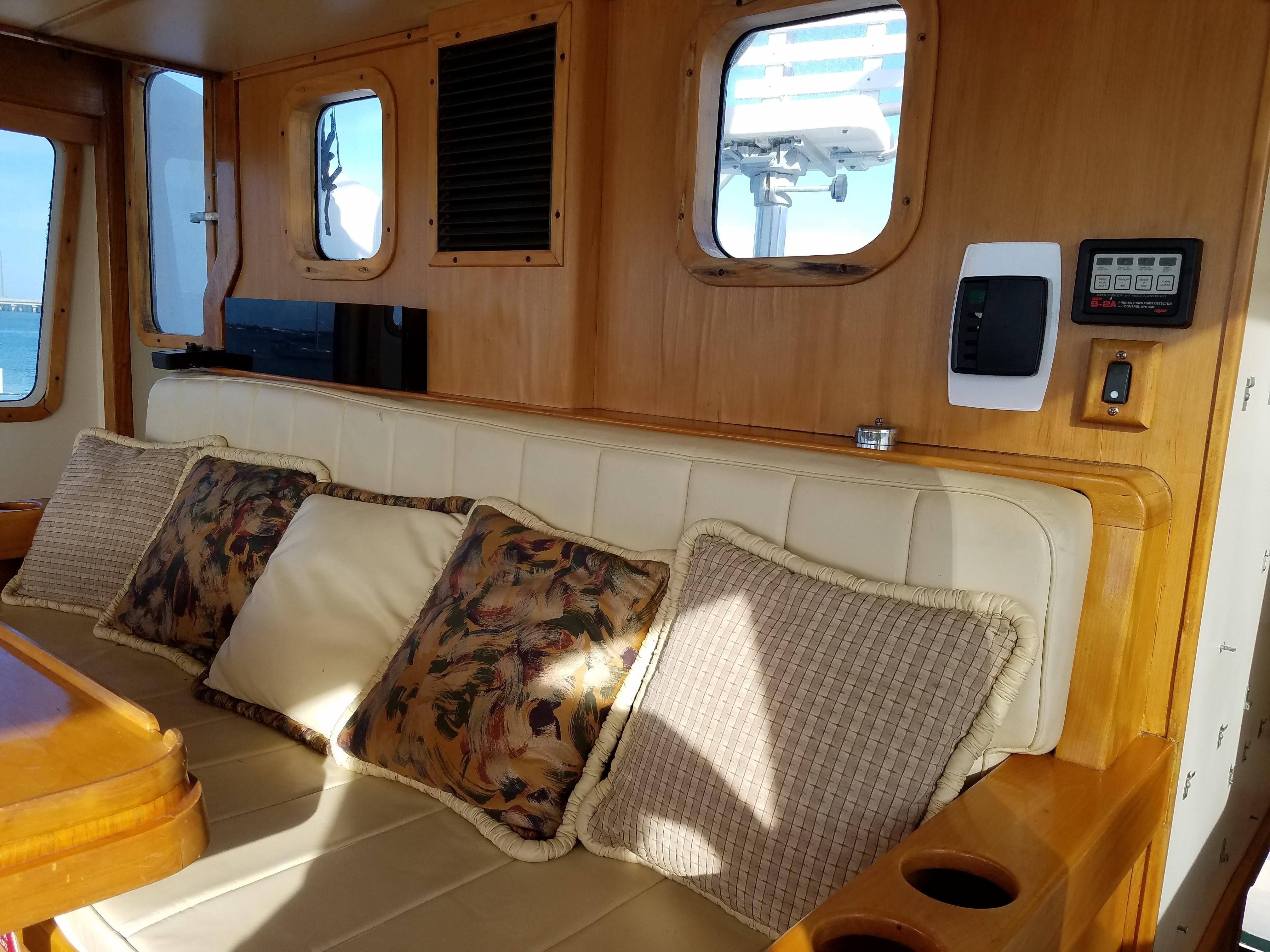 47 Magna Marine Kelly Ann 2002 Palmetto | Denison Yacht Sales