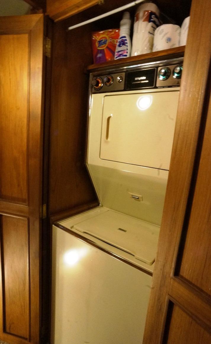 Frigidaire washer & dryer