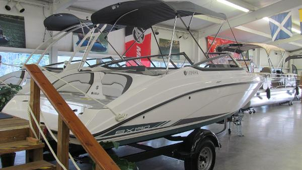 2021 Yamaha boat for sale, model of the boat is SX190 & Image # 3 of 9