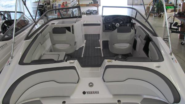 2021 Yamaha boat for sale, model of the boat is SX190 & Image # 4 of 9