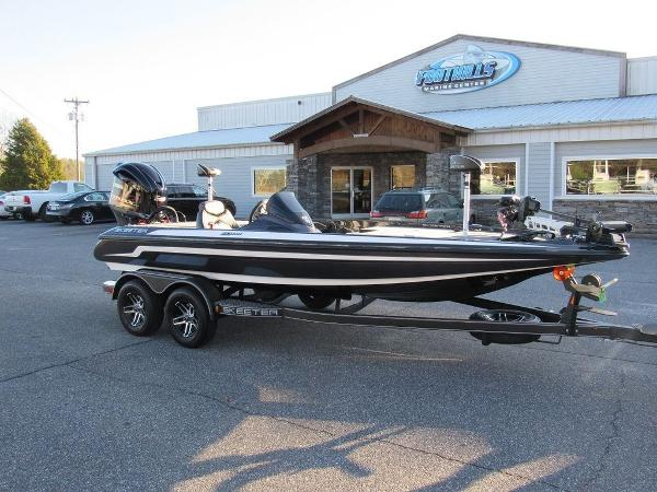 2020 Skeeter boat for sale, model of the boat is ZX200 & Image # 1 of 19