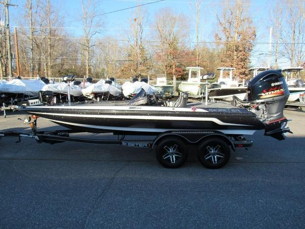 2020 Skeeter boat for sale, model of the boat is ZX200 & Image # 5 of 19