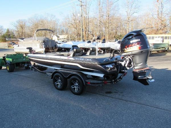 2020 Skeeter boat for sale, model of the boat is ZX200 & Image # 9 of 19