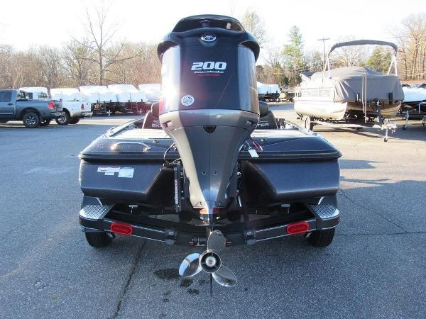 2020 Skeeter boat for sale, model of the boat is ZX200 & Image # 13 of 19