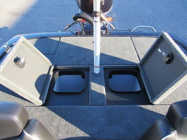 2020 Skeeter boat for sale, model of the boat is ZX200 & Image # 14 of 19