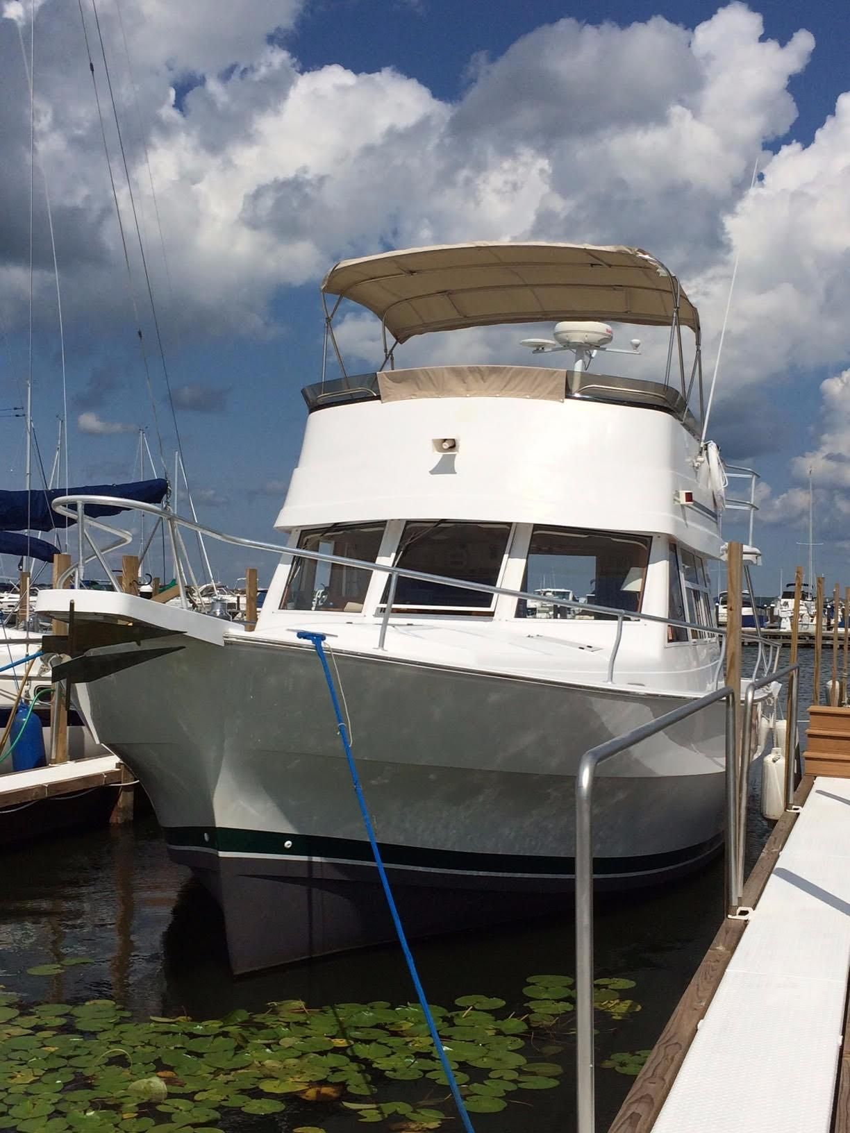 1999 Mainship 390 Erie, Pennsylvania - Bay Marine