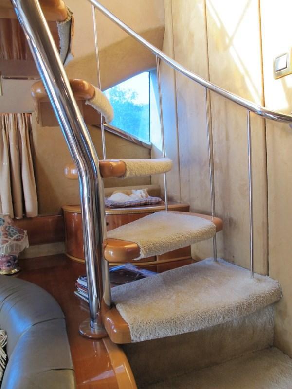 Princess 66 Stairway to Flybridge
