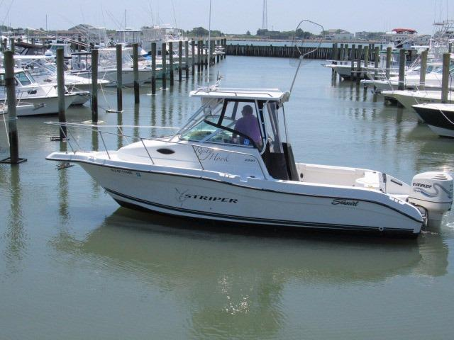 2003 Seaswirl 2300 Walk Around