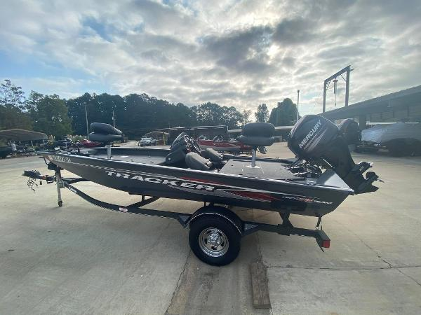 2019 Tracker Boats boat for sale, model of the boat is Pro Team 175 TF & Image # 2 of 5