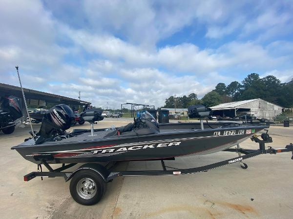 2019 Tracker Boats boat for sale, model of the boat is Pro Team 175 TF & Image # 1 of 5