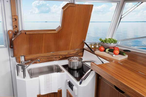 Sargo 31 Explorer galley