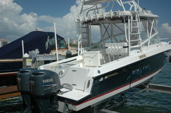 2007 Contender 35 Side Console Location: West Coast US. $149900.00