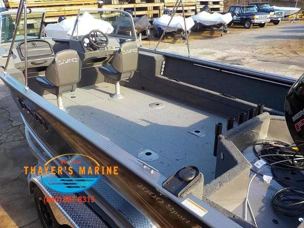 2019 Lund boat for sale, model of the boat is 2000 Sport Angler & Image # 5 of 36