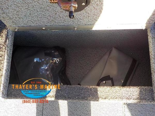 2019 Lund boat for sale, model of the boat is 2000 Sport Angler & Image # 6 of 36