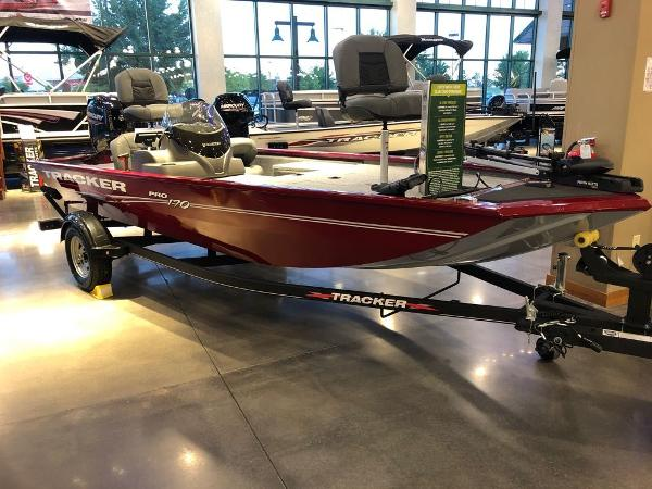 2021 Tracker Boats boat for sale, model of the boat is Pro 170 & Image # 1 of 12