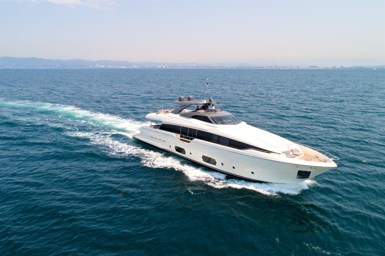 96 ft Ferretti Yachts Motor Yacht Raised Pilothouse