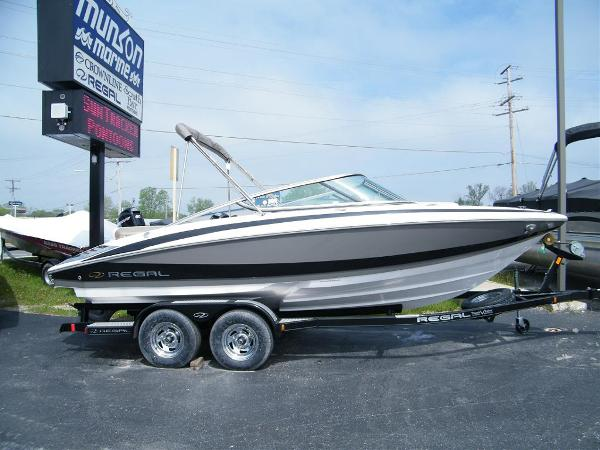 2010 Regal 2100 Bowrider For Sale