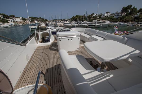 Princess Motor Yacht Sales - Used Princess 67 Flybridge