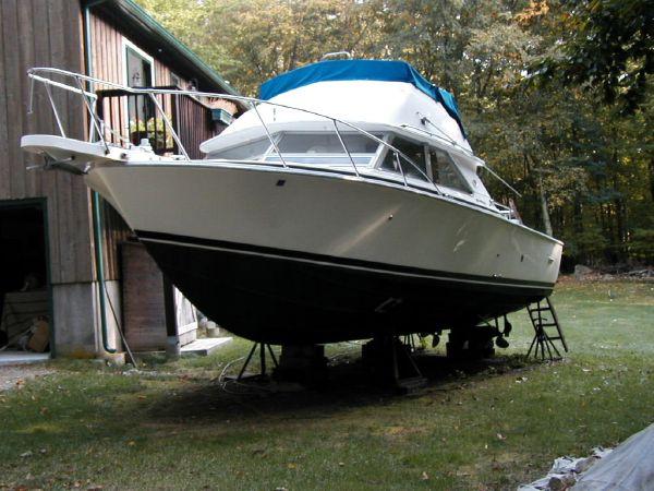 28' Bertram 28 Flybridge Diesel Brewer Spring Boat Show CT